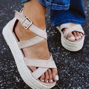Shoes - 🔥SALE💕⭐️Natural Espadrille Wedge Sandals!